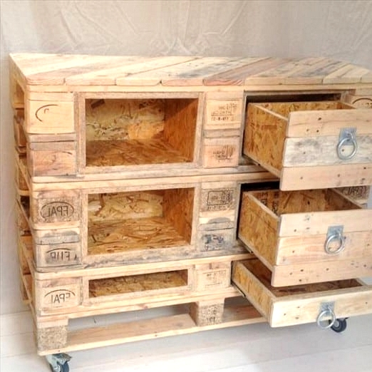 #3. DRAWER AND SHELVES PALLET FURNITURE PIECE WITH AN INDUSTRIAL APPEAL