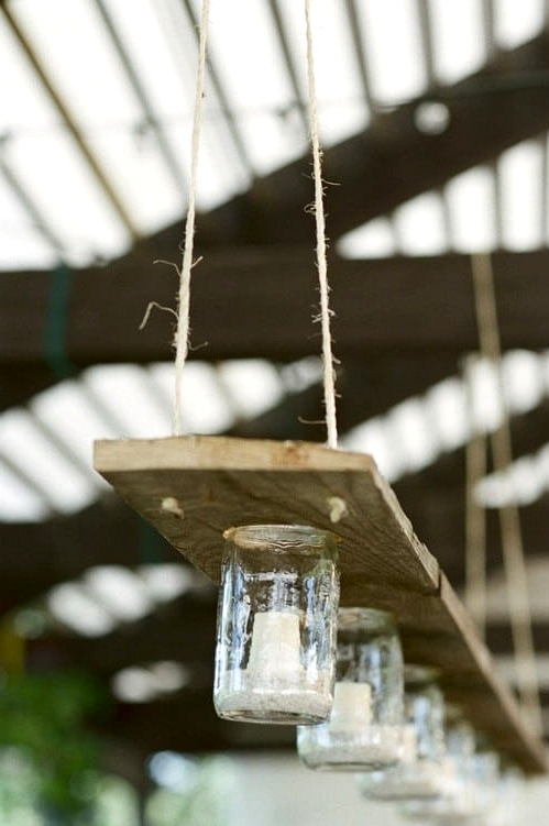 #32. MASON JARS AND WOODEN PALLET WOOD LIGHTING FIXTURE