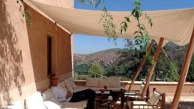 A Shady Solution: Shade Sails as Awnings