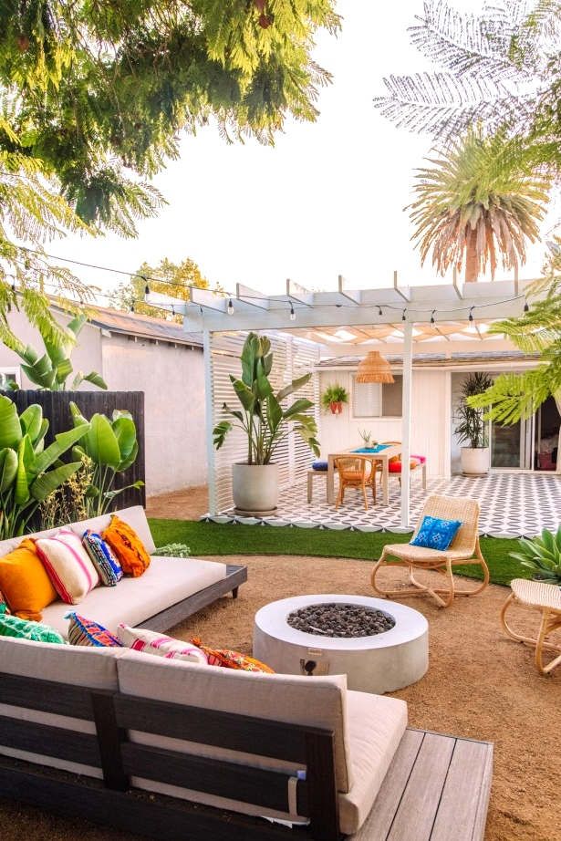 A tropical oasis backyard design inspiration