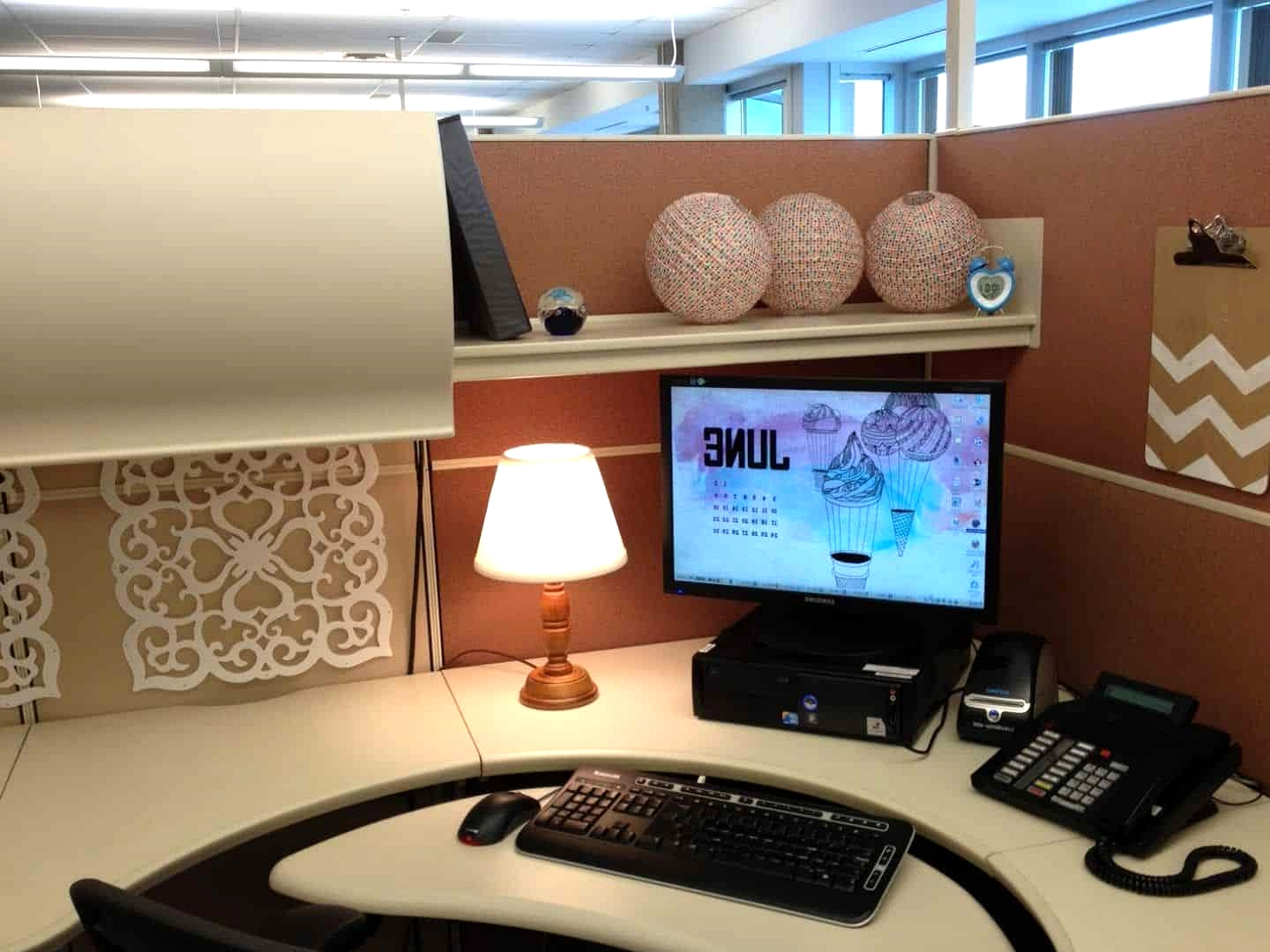 Shelf-for-your-cubicle-decor