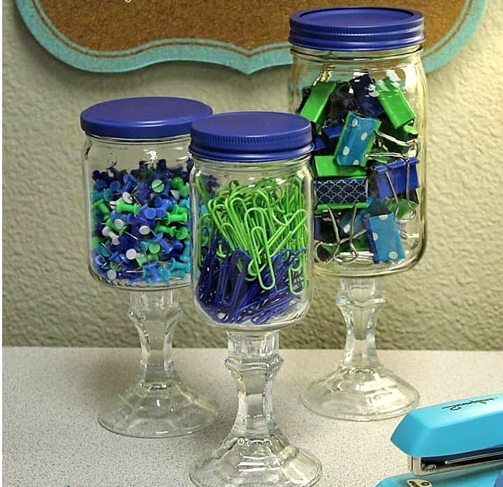 DIY-apothecary-jars-for-storing-clasroom-supplies