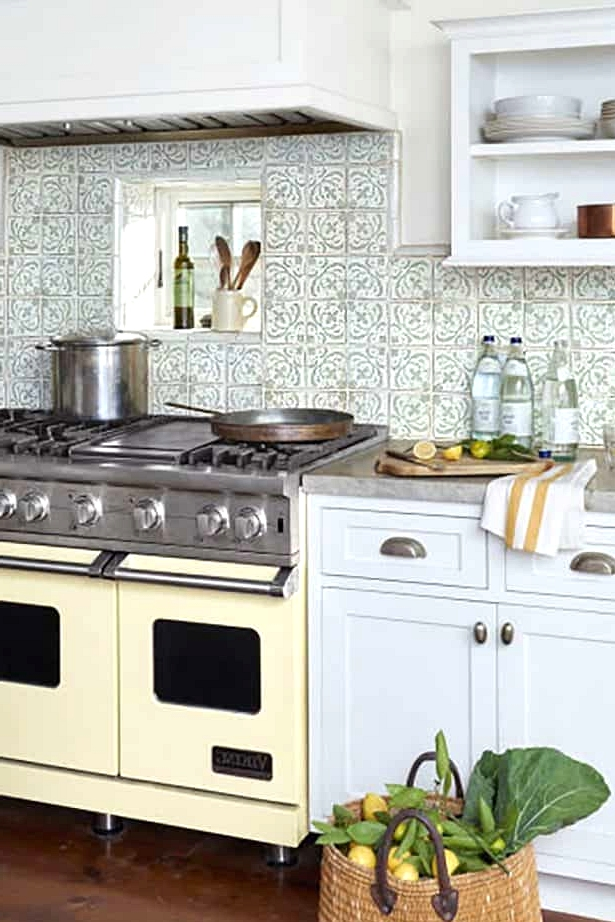 Use Retro Appliances for a Truly Vintage Feel