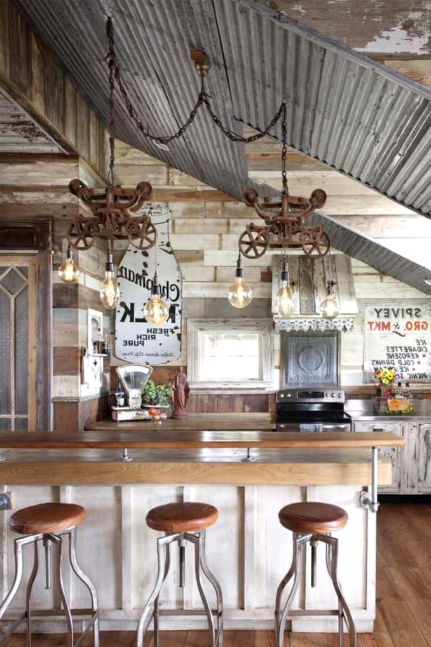 Reclaimed Farmhouse Kitchen Décor