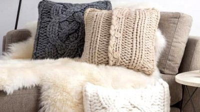20 Fashionable Throw Pillow Concepts for Brown Couches