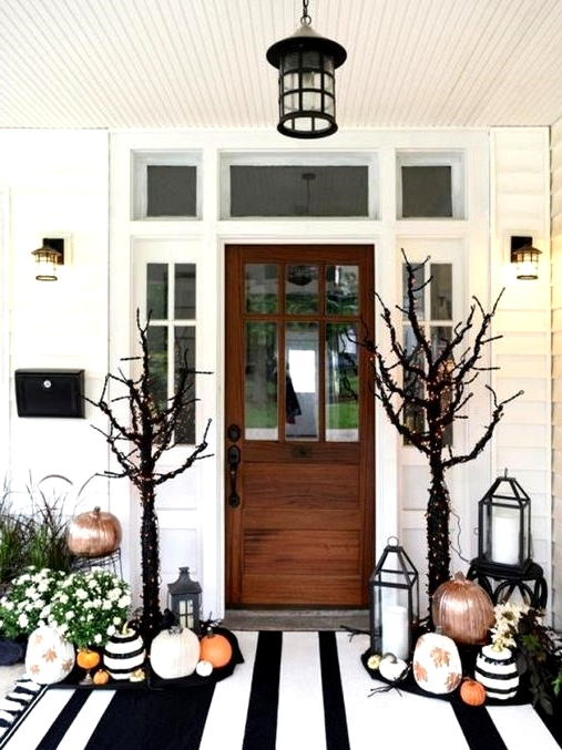 black and white fall front porch decor