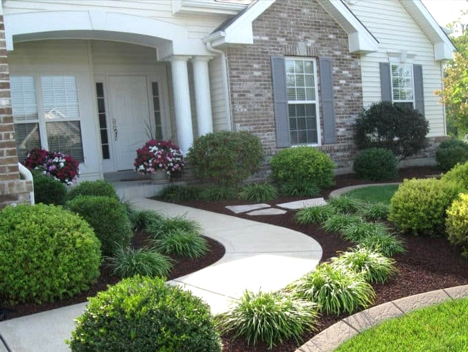 Get Curved Walkways and Manicured Hedges