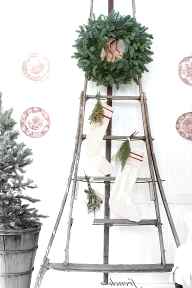 Make It Seasonal with Wreaths