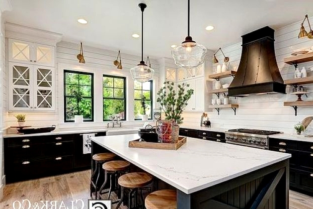 A timeless modern farmhouse kitchen