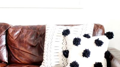 Simple DIY Pom Pom Pillow