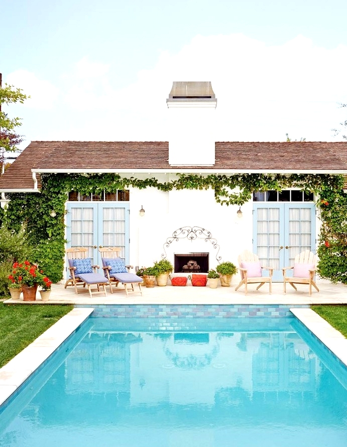 18 Spectacular Shabby Chic Swimming Pool Designs You Will Love