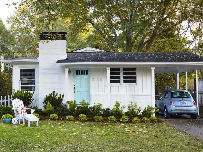 Outdated bungalow gets a mid century modern update