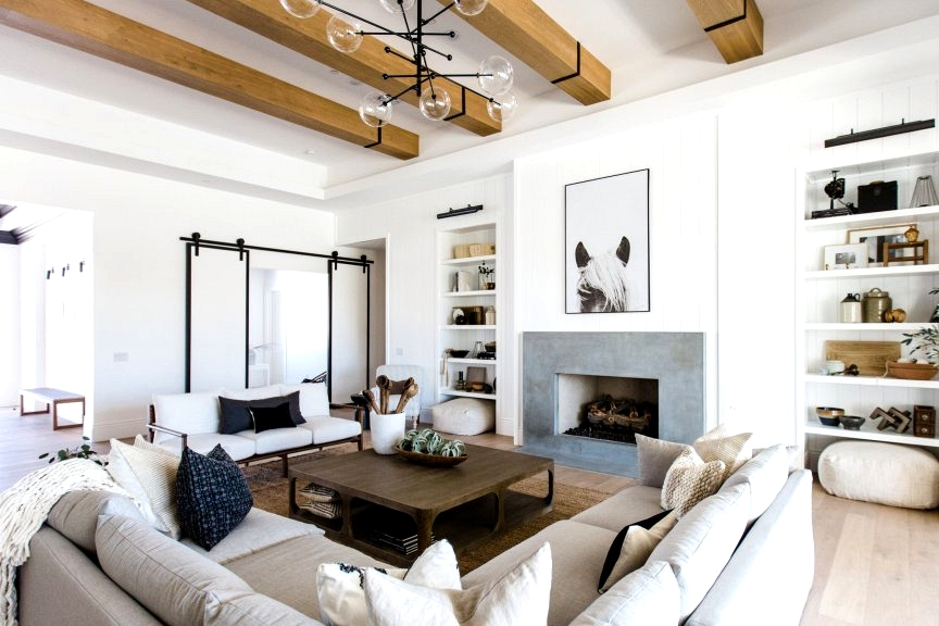 A farmhouse living room with an eclectic modern twist! Loving this living room design. Check out this post for more modern farmhouse inspirations!