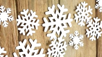 18 Lovable Winter Garland Decorations For Your House And Yard