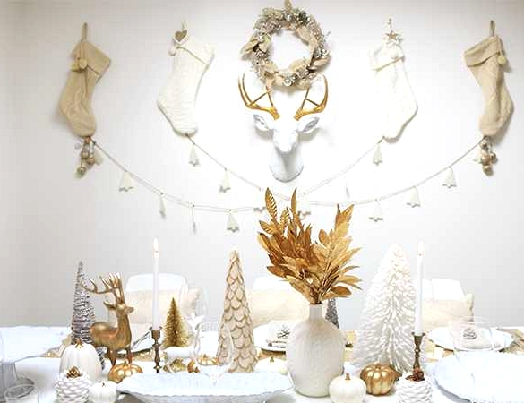 16 Delightful DIY Christmas Table Decor Projects To Do On A Budget