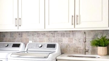18 Wonderful Conventional Laundry Room Designs You Want