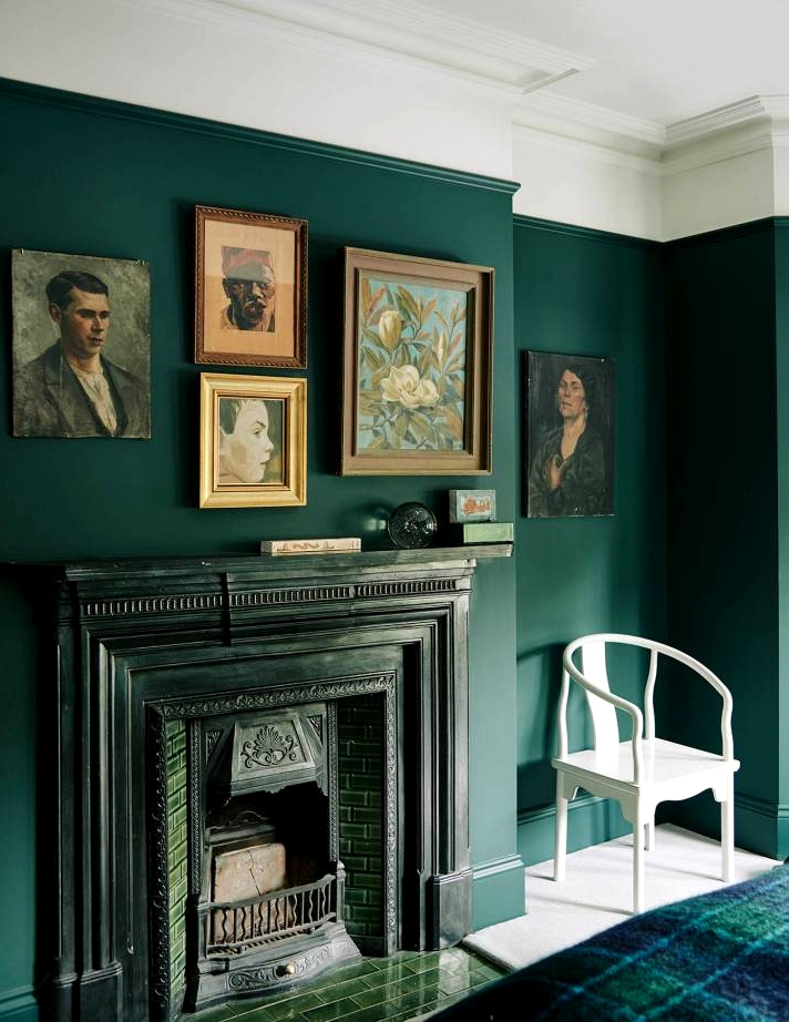 Hunter green accent wall inspiration ideas for your home.