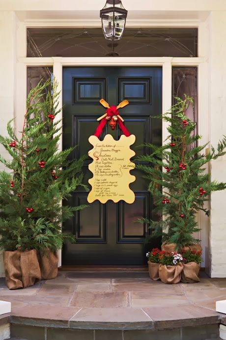 Christmas door design