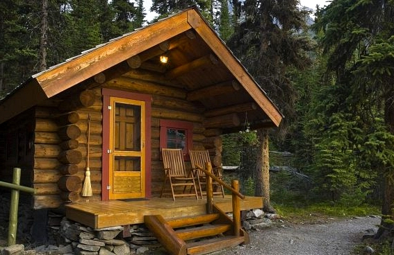 DIY Energy Efficient Outdoor Cabins with Pallets