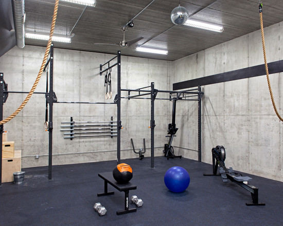 Industrial Style Basement Gym Idea