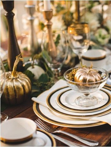 Modern Thanksgiving Decor