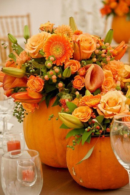 Pumpkin Flower Tablescape for Thanksgiving