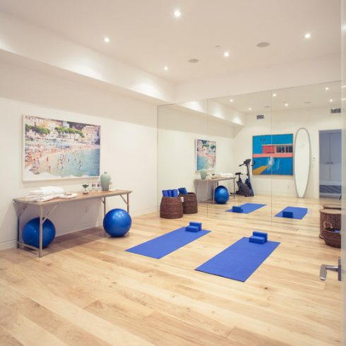 Simple and Modern Yoga Room