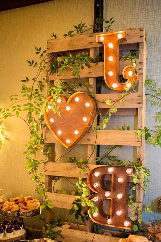 SPECIAL WEDDING Wooden Pallet DECOR