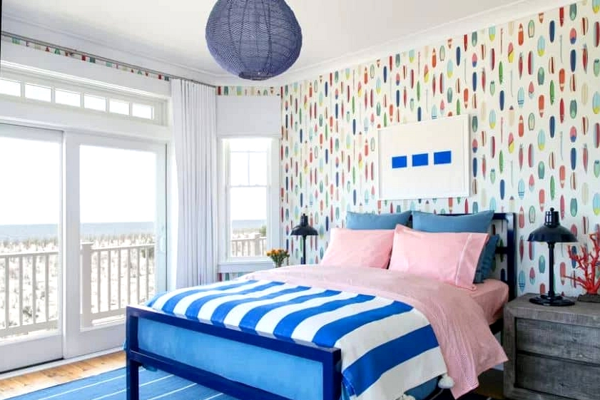 Decorate in Bright Colors to Make the Room Pop