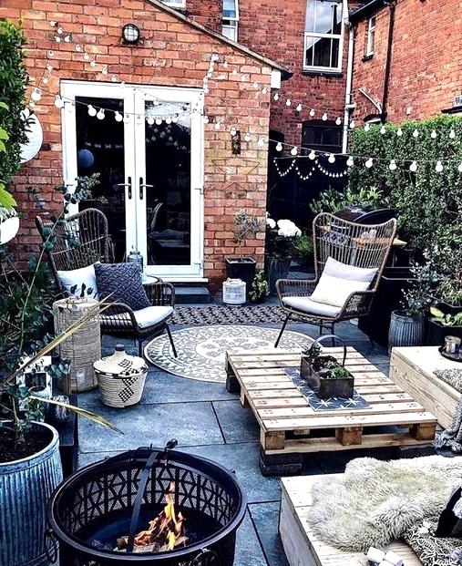 urban boho outdoor patio design for the backyard