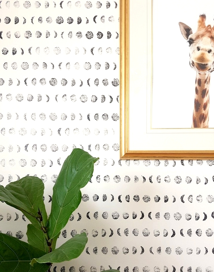 DIY painted wallpaper with a home made sponge stamp
