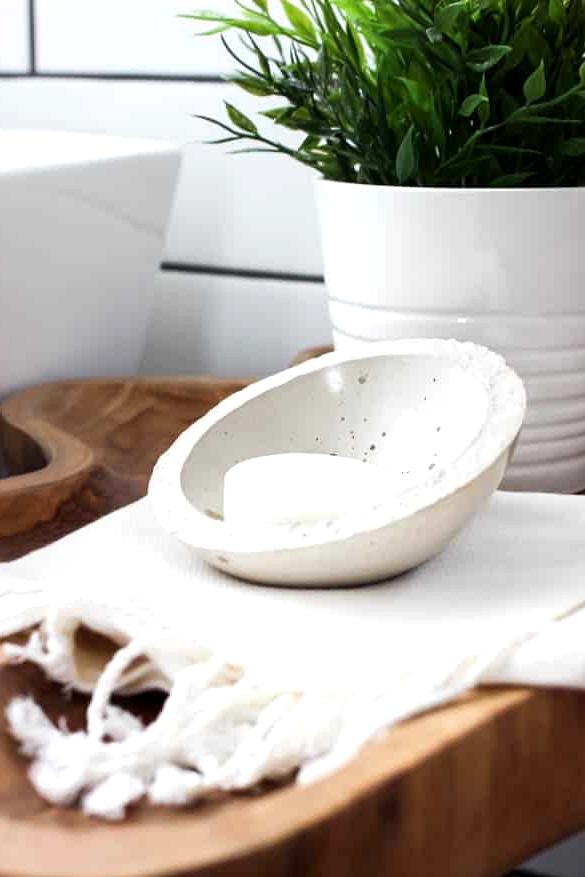 DIY modern soap dish DIY.