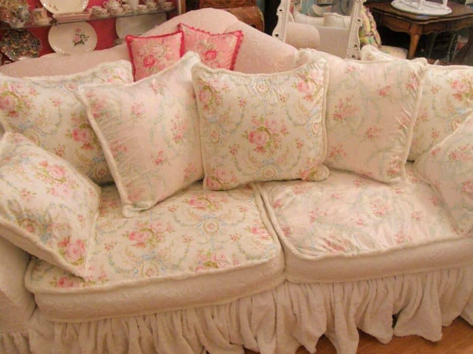 Gorgeous Shabby Chic Sofa