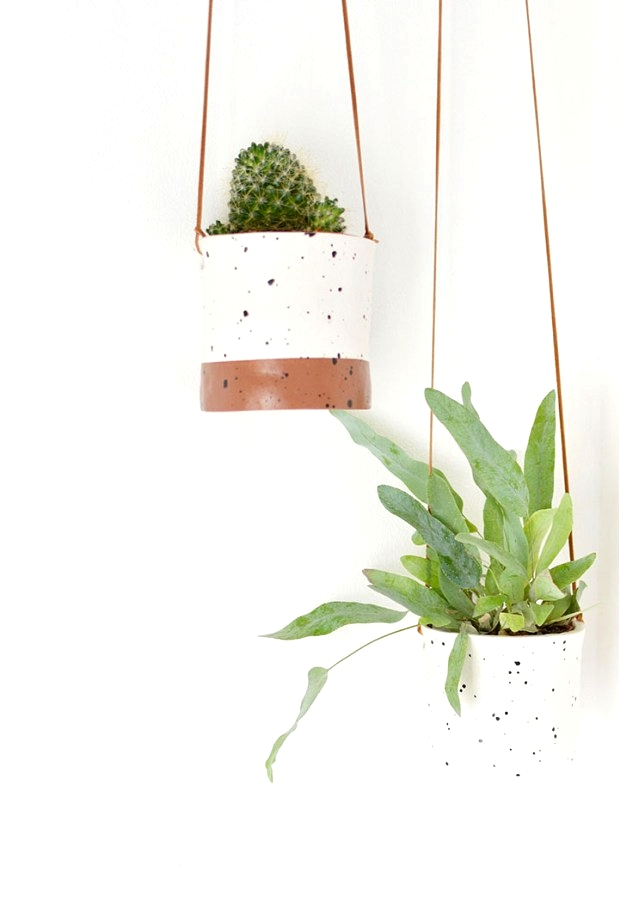 Air dry clay with a fux ceramic glaze makes the cutest DIY hanging planters