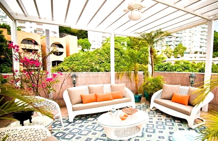 Get a Moroccan Style Patio with UV Cover
