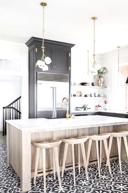 Black and White Farmhouse Kitchen Tile in a Modern Farmhouse Style