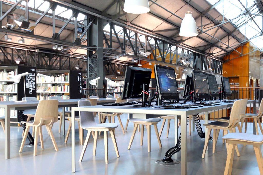 Elegant Trendy Workplace Rubber Flooring by Artigo