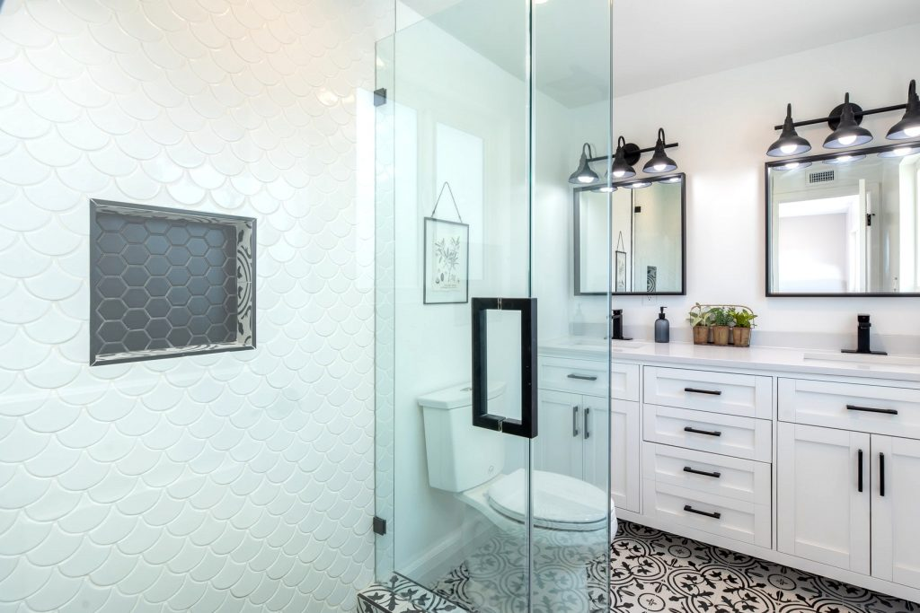 Why You Do not Have To Spend A Fortune On Toilet Refurbs Anymore