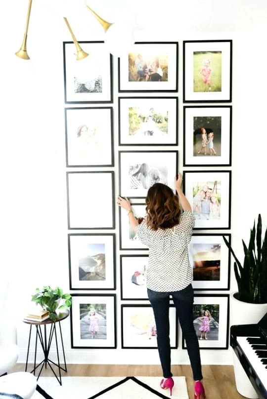 Gallery Wall Ideas to Inspire | A fun pop of color