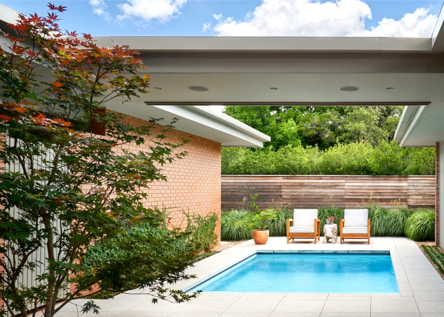 20 Sensational Mid Century Modern Swimming Pool Designs You Will Obsess Over