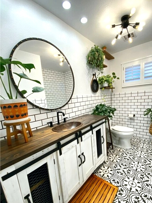 Look for Black Contrast Faucets on Wooden Counters
