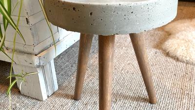 DIY Concrete Aspect Desk