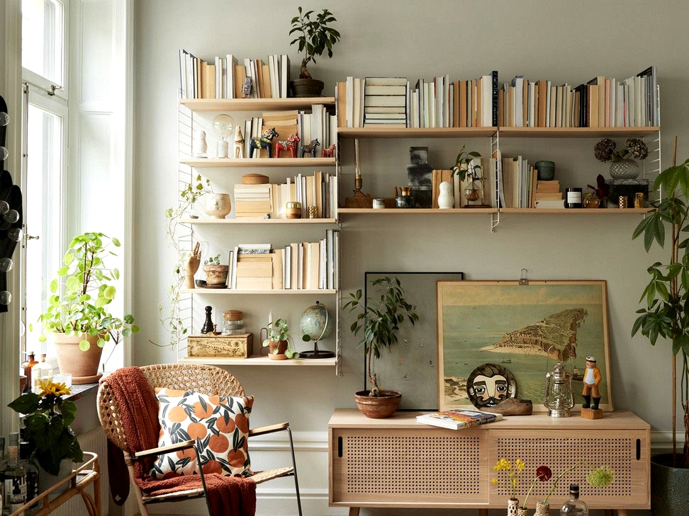 Charming artistic mess in a Stockholm residence