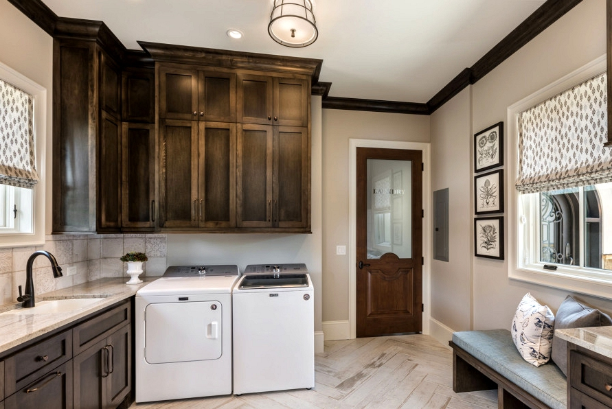 15 Superior Mediterranean Utility Room Designs To Do Your Laundry In