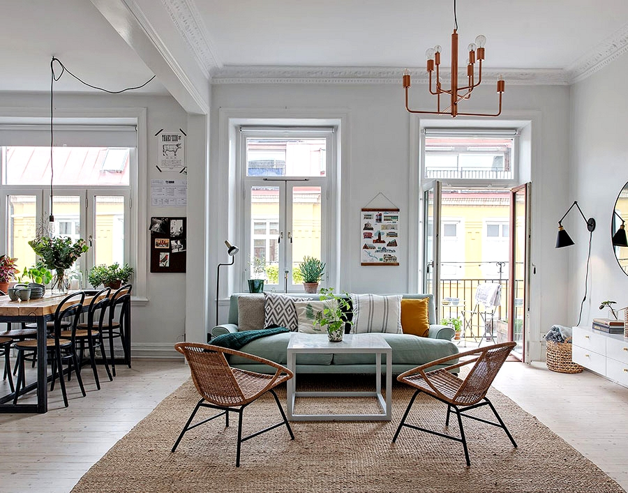 Mild and nice Scandinavian condominium with blue couch (79 sqm)