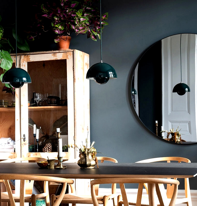 Darkish accents and blue front room: trendy and comfortable house in Stockholm (80 sqm)