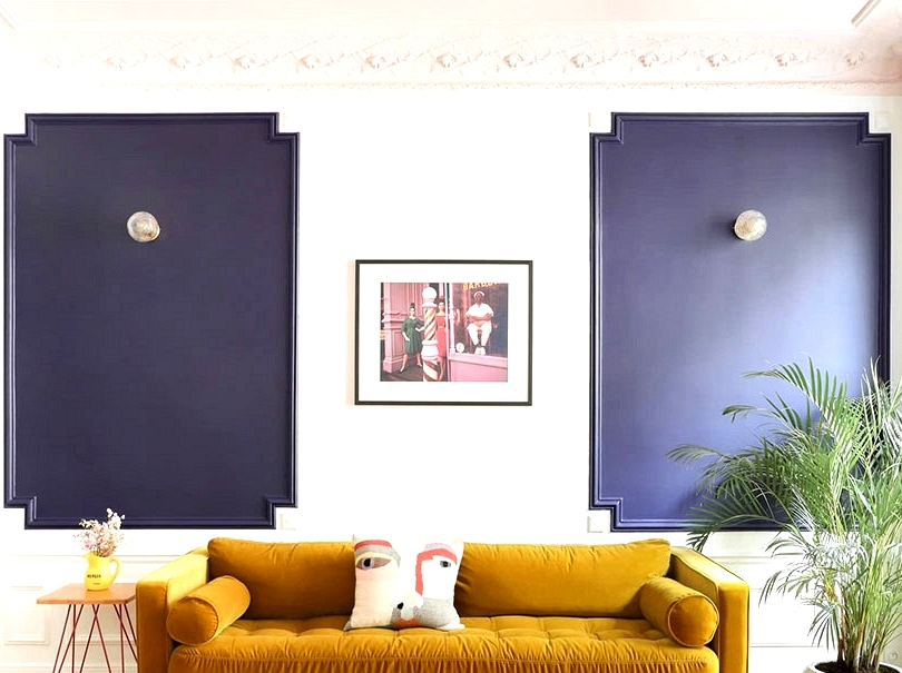 Paris condominium with fascinating colour scheme and daybreak on the wall (72 sqm)
