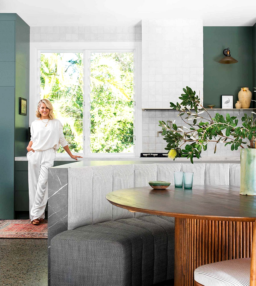 Brilliant and sunny house of Australia's transform present hosts