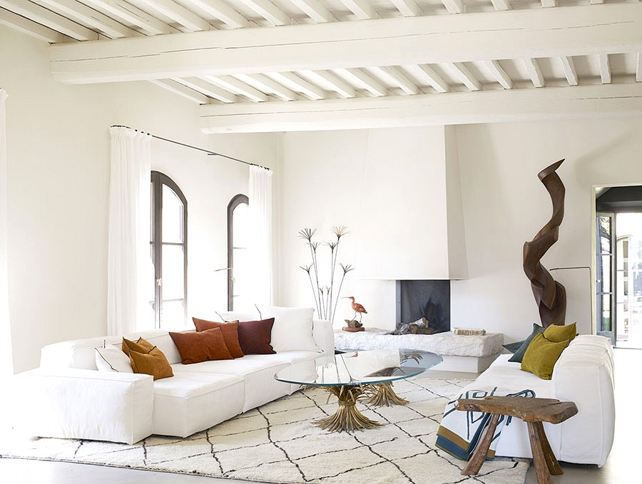 Fashionable design of Tuscan villa, which was talked about in Dante's Divine Comedy