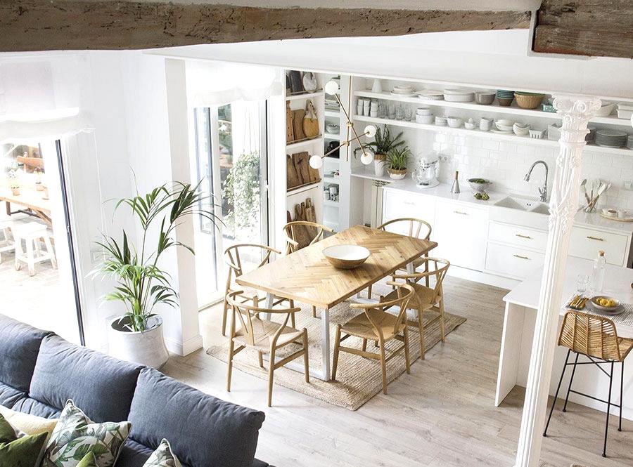 Cozy designer's dwelling in Barcelona